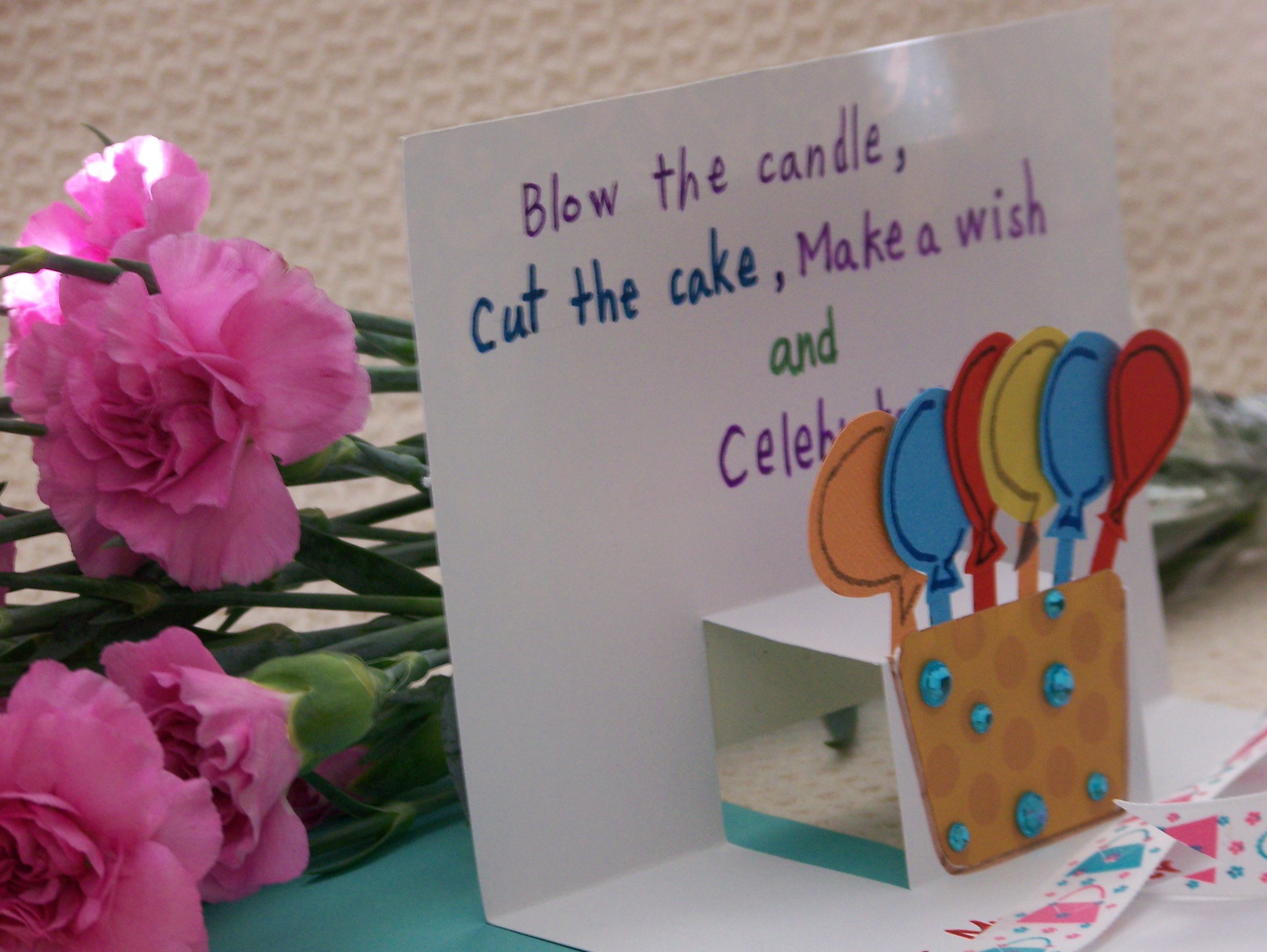 Pop up card give your ordinary card a twist for Pop up birthday cards for mom